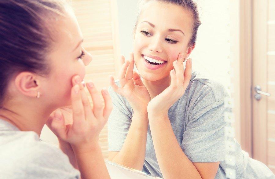 Moisturizing Oils to Add to Your Skin Care Regimen